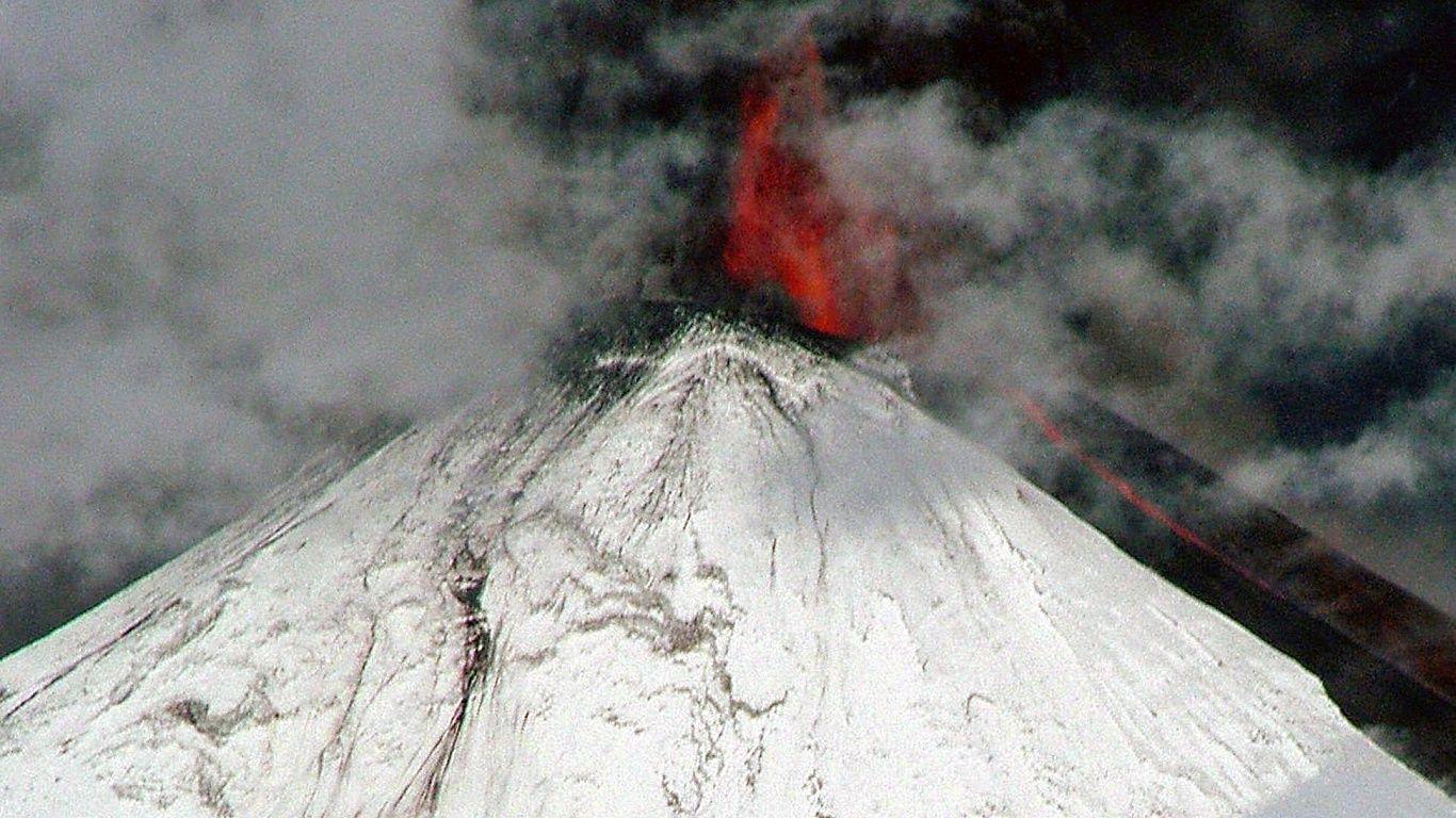 Вулкан Льяйма зимой