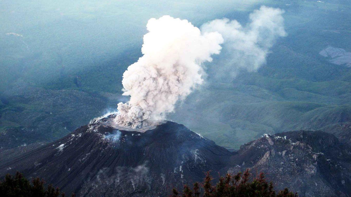 Извержение вулкана Санта-Мария