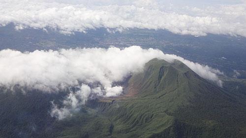 Вершина вулкана Эмпунг