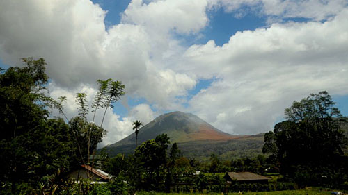 Вершина вулкана Локон