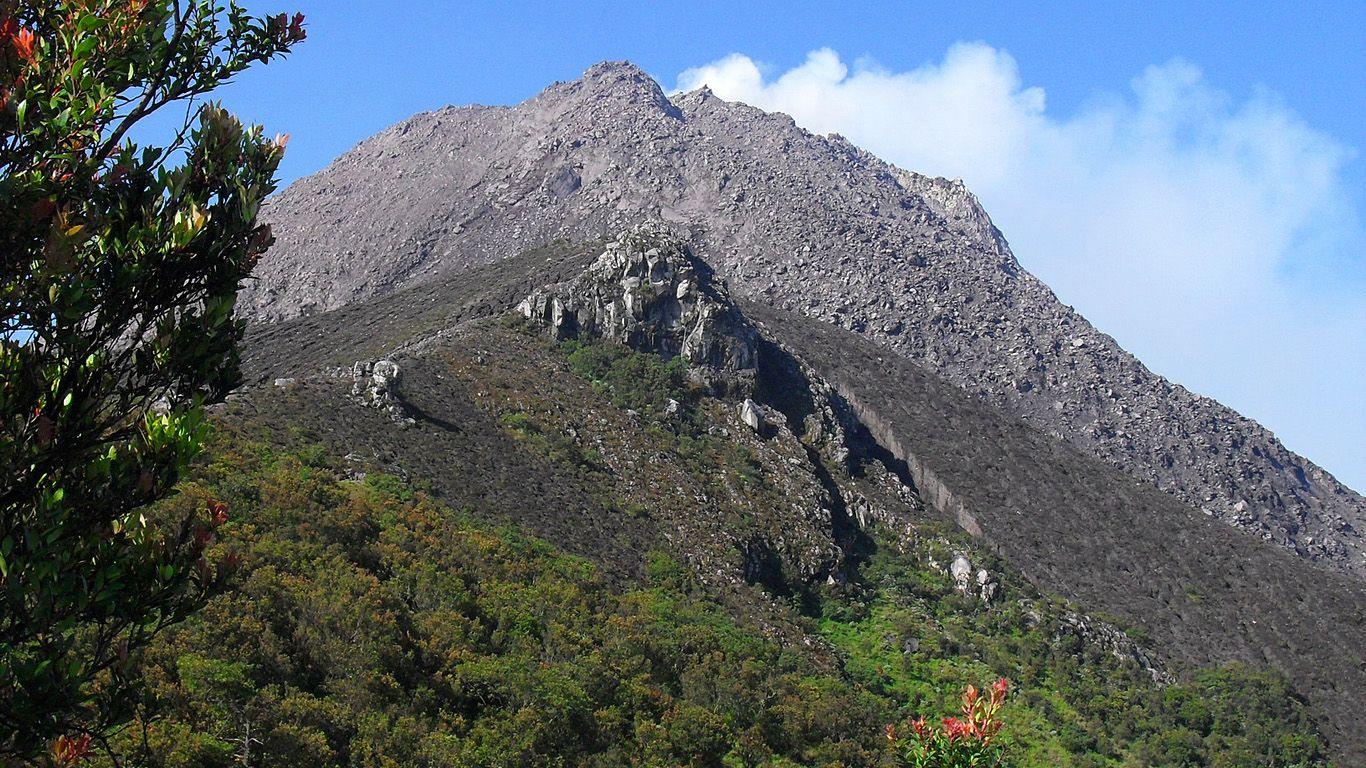 Вулкан Мерапи после извержения