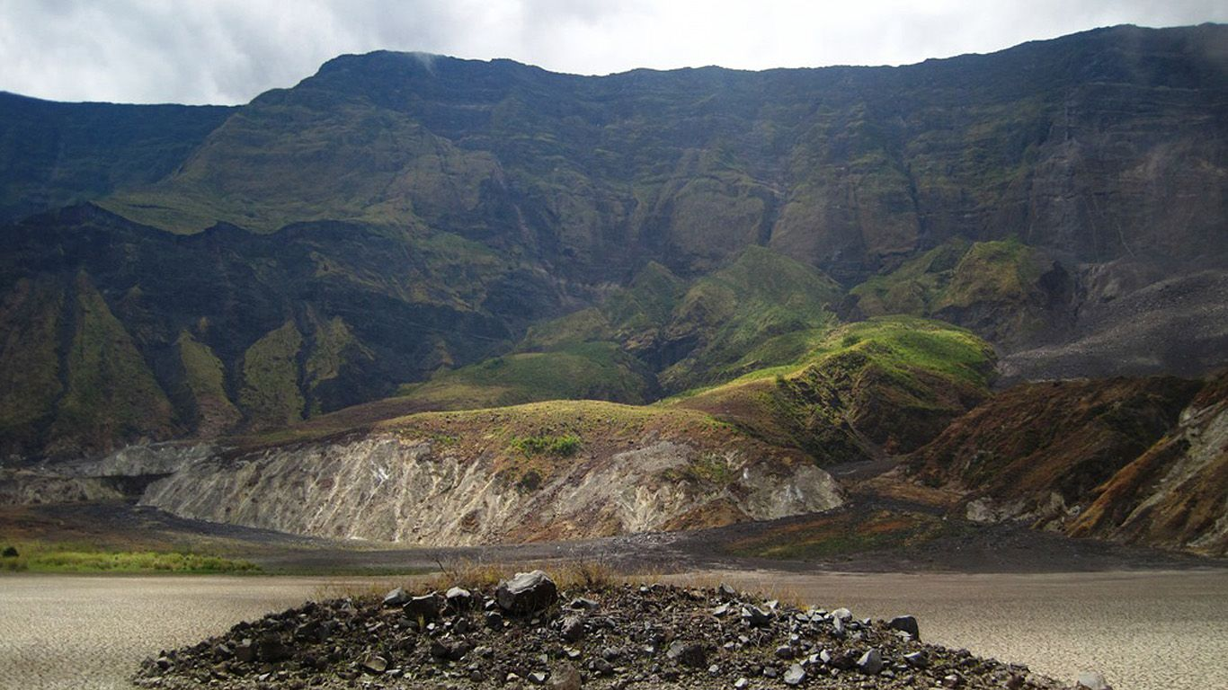 Центр кратера.Вулкан Тамбора