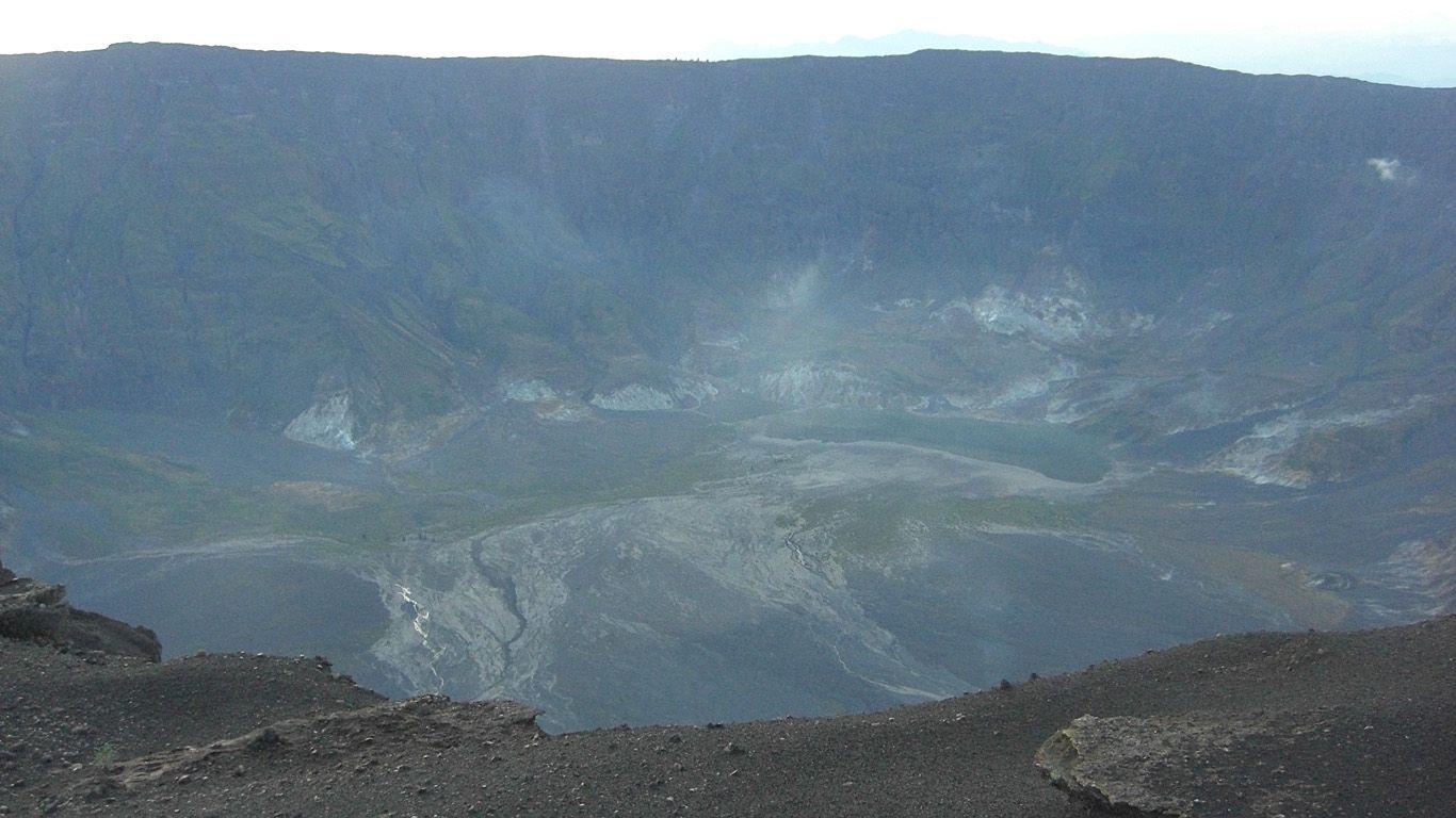 Вулкан Тамбора сверху