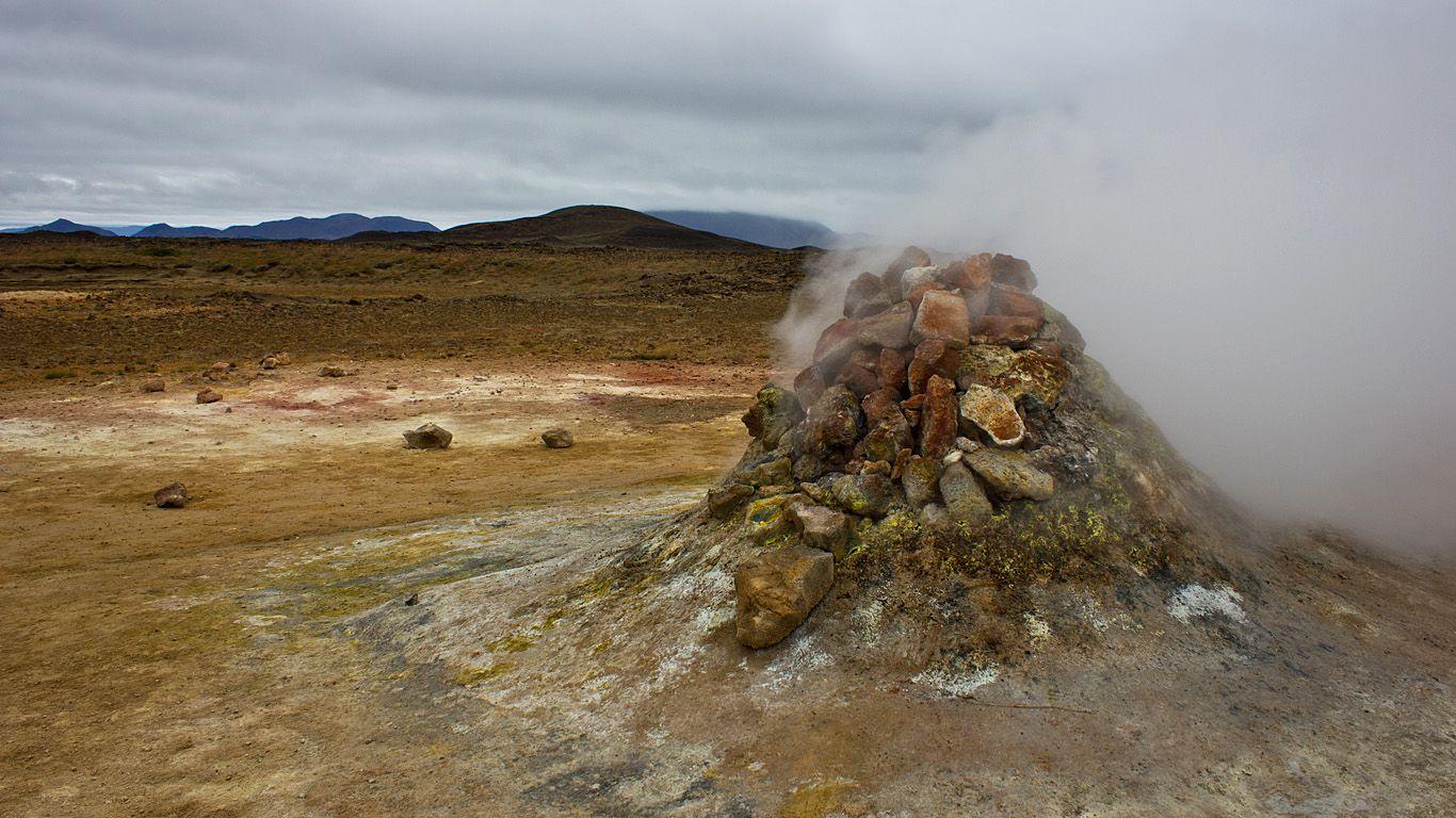 Геотермальная активность.Вулкан Крапла
