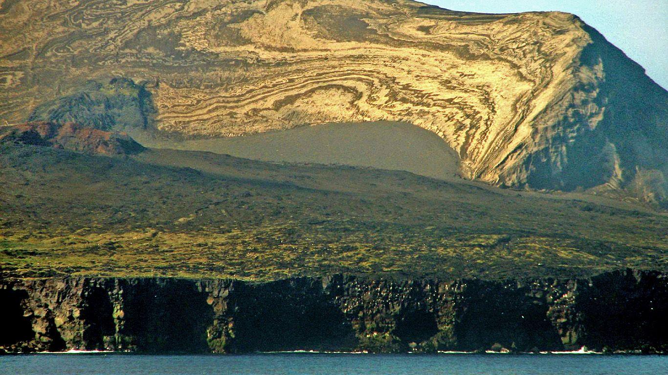 Вулкан Суртсей берега