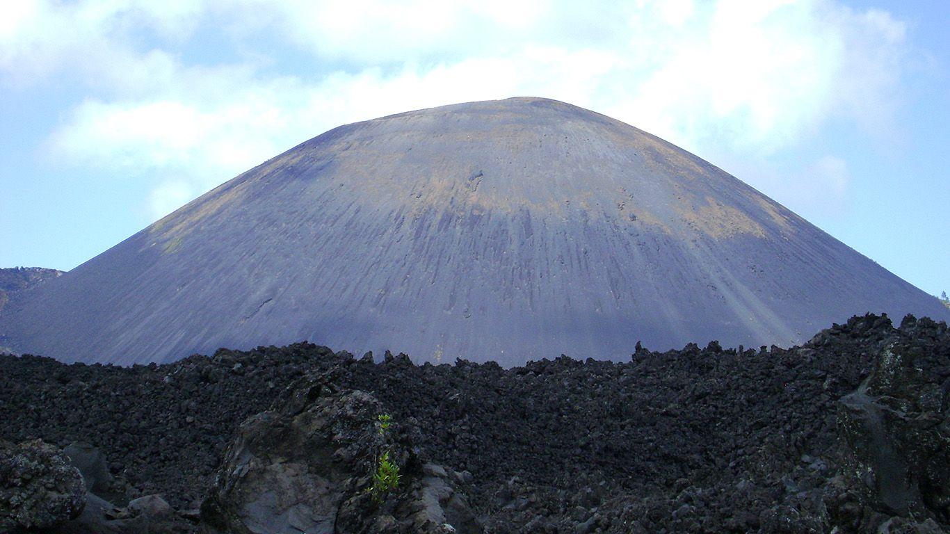 Вулкан Парикутин вблизи