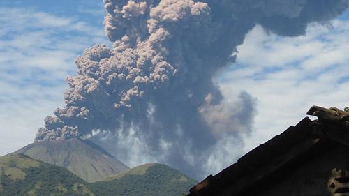Извержение вулкана Сан-Кристобаль