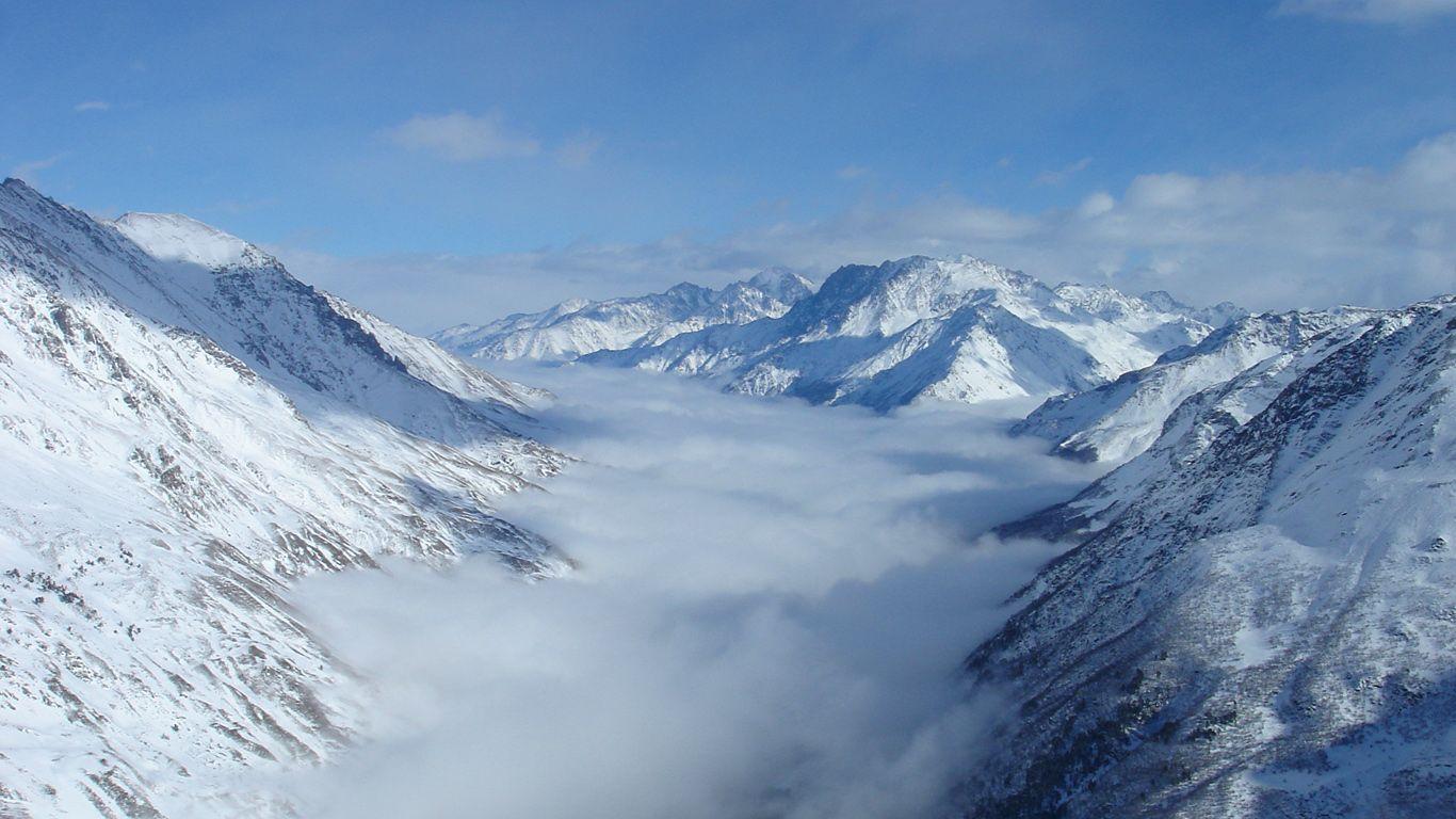 Облака.Вулкан Эльбрус