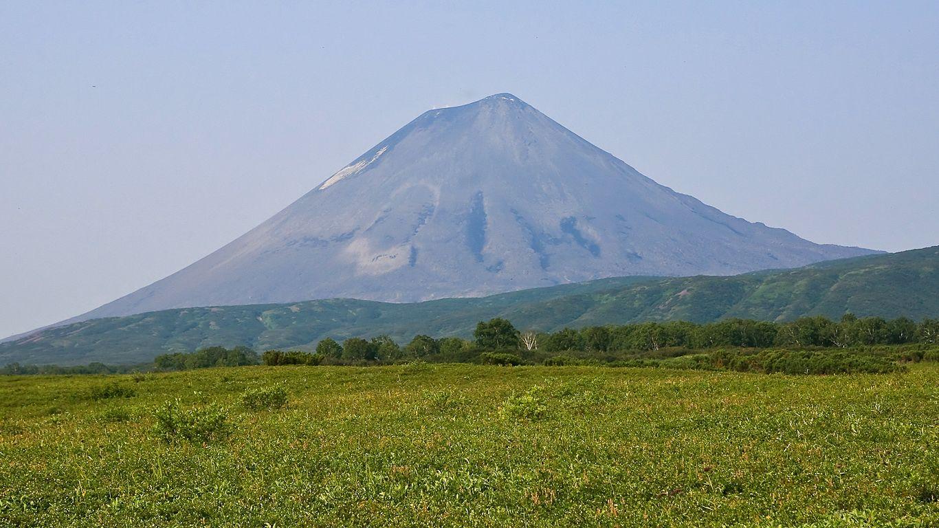 Пейзаж.Карымский вулкан