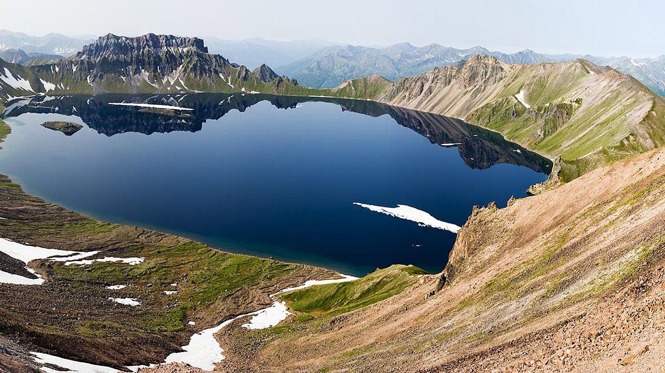 Озеро вулкана Хангар