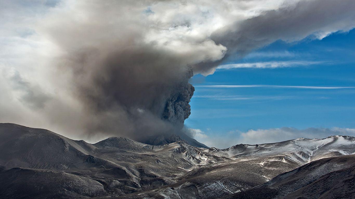 Извержение.Вулкан Кизимен