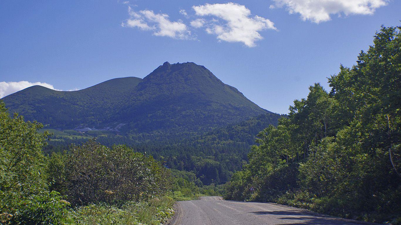 Вулкан Менделеева издалека