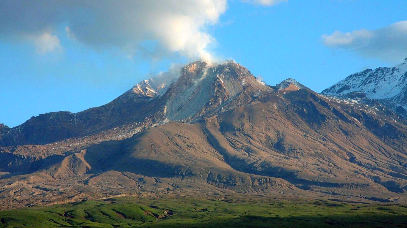 Вулкан Шивелуч летом