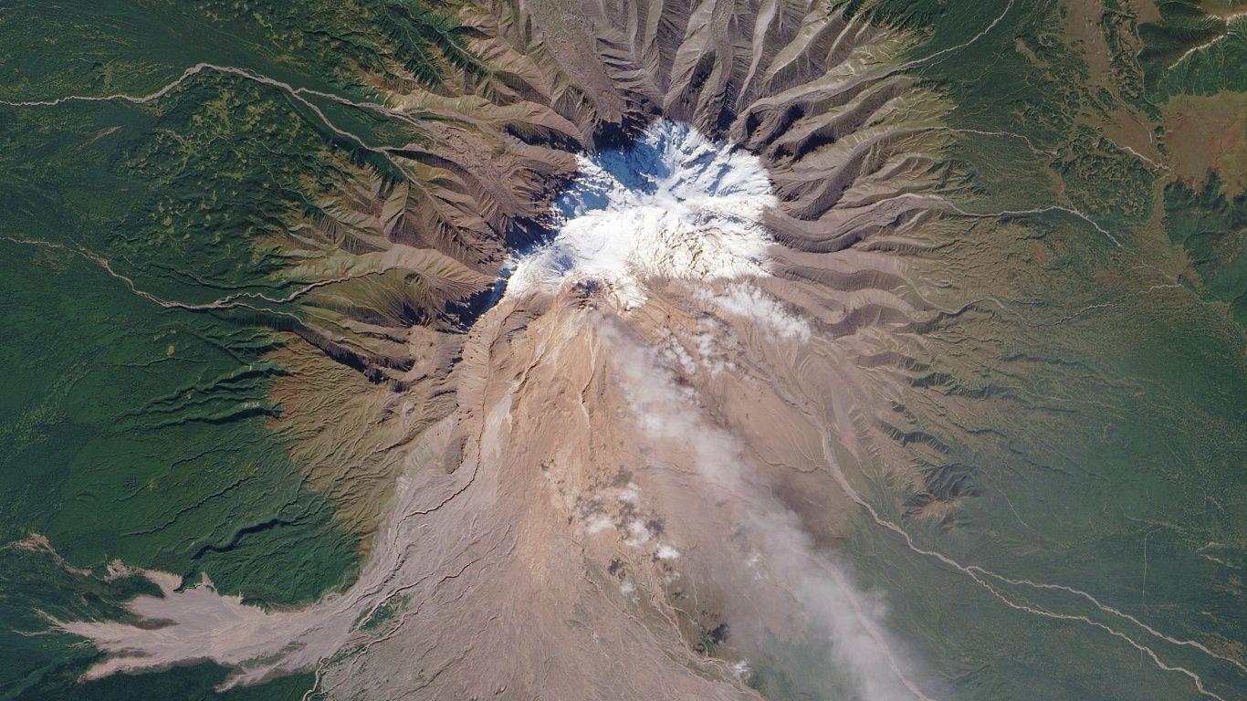 Вулкан Шивелуч с высоты