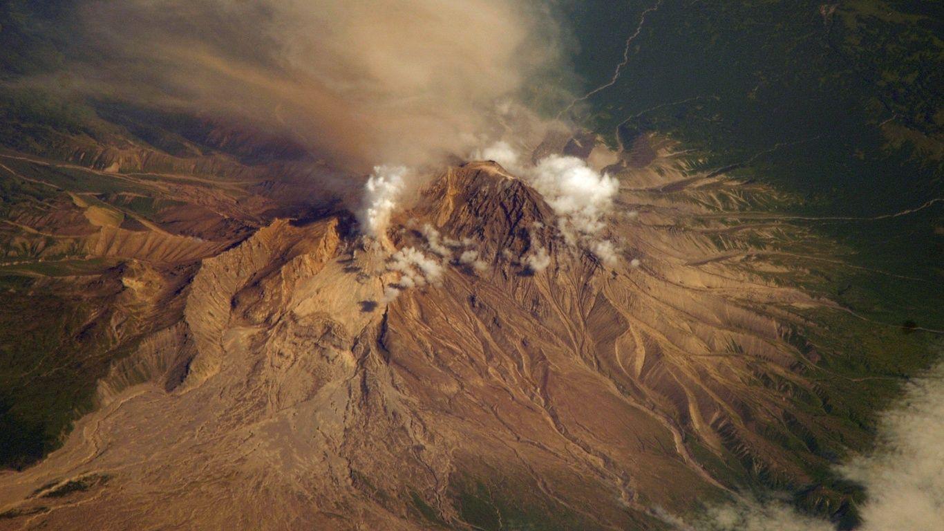 Вулкан Шивелуч сверху