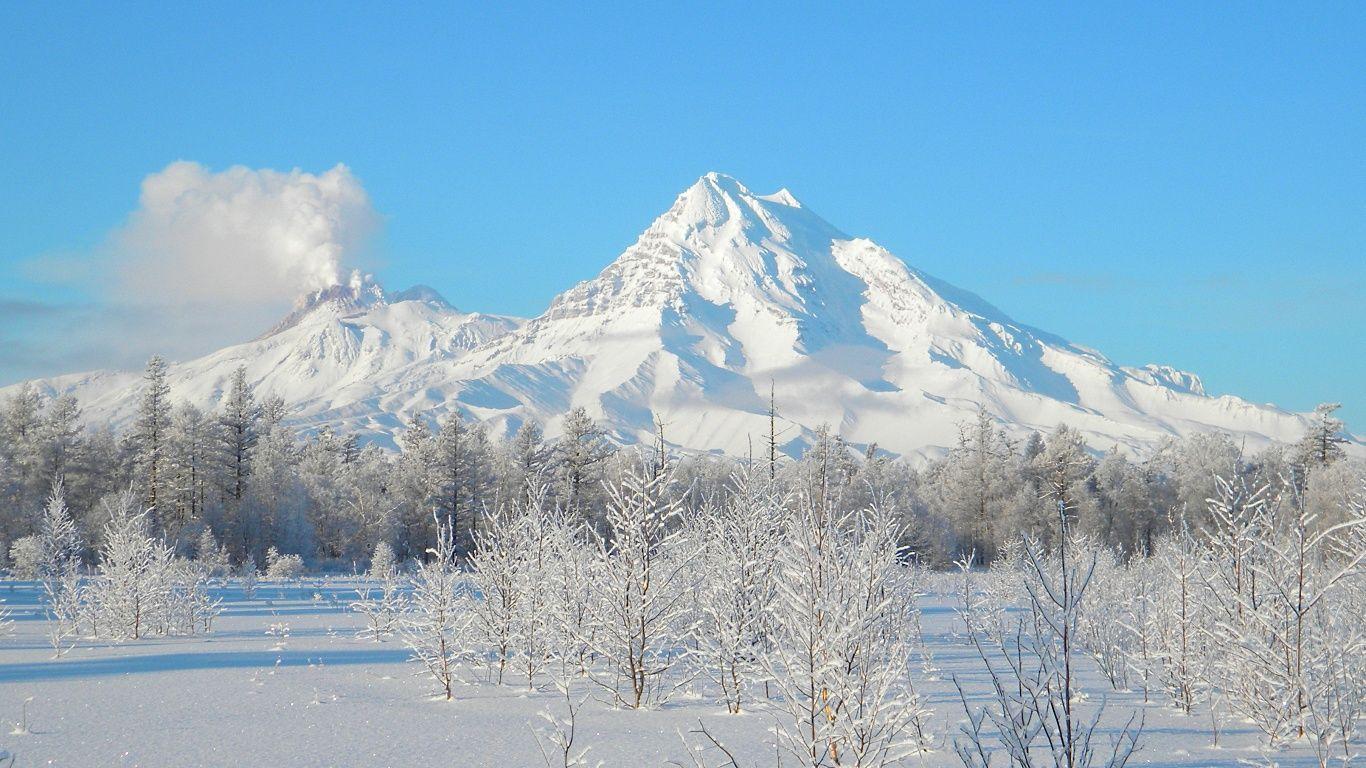 Вулкан Шивелуч зимой