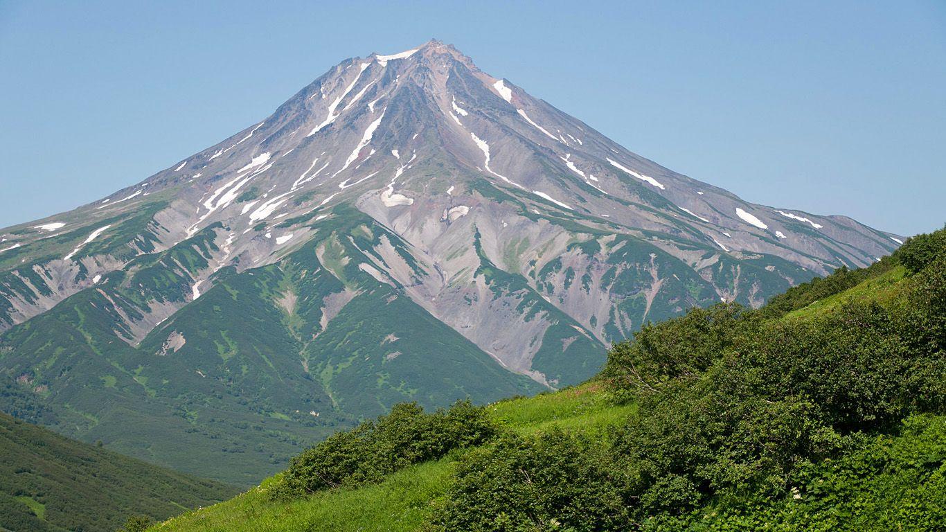 Вилючинский вулкан издалека