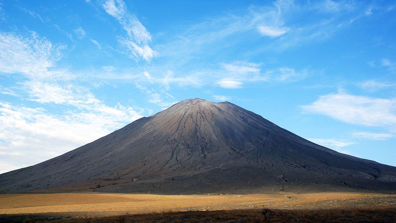 Пейзаж.Вулкан Оль Дойньо Ленгаи