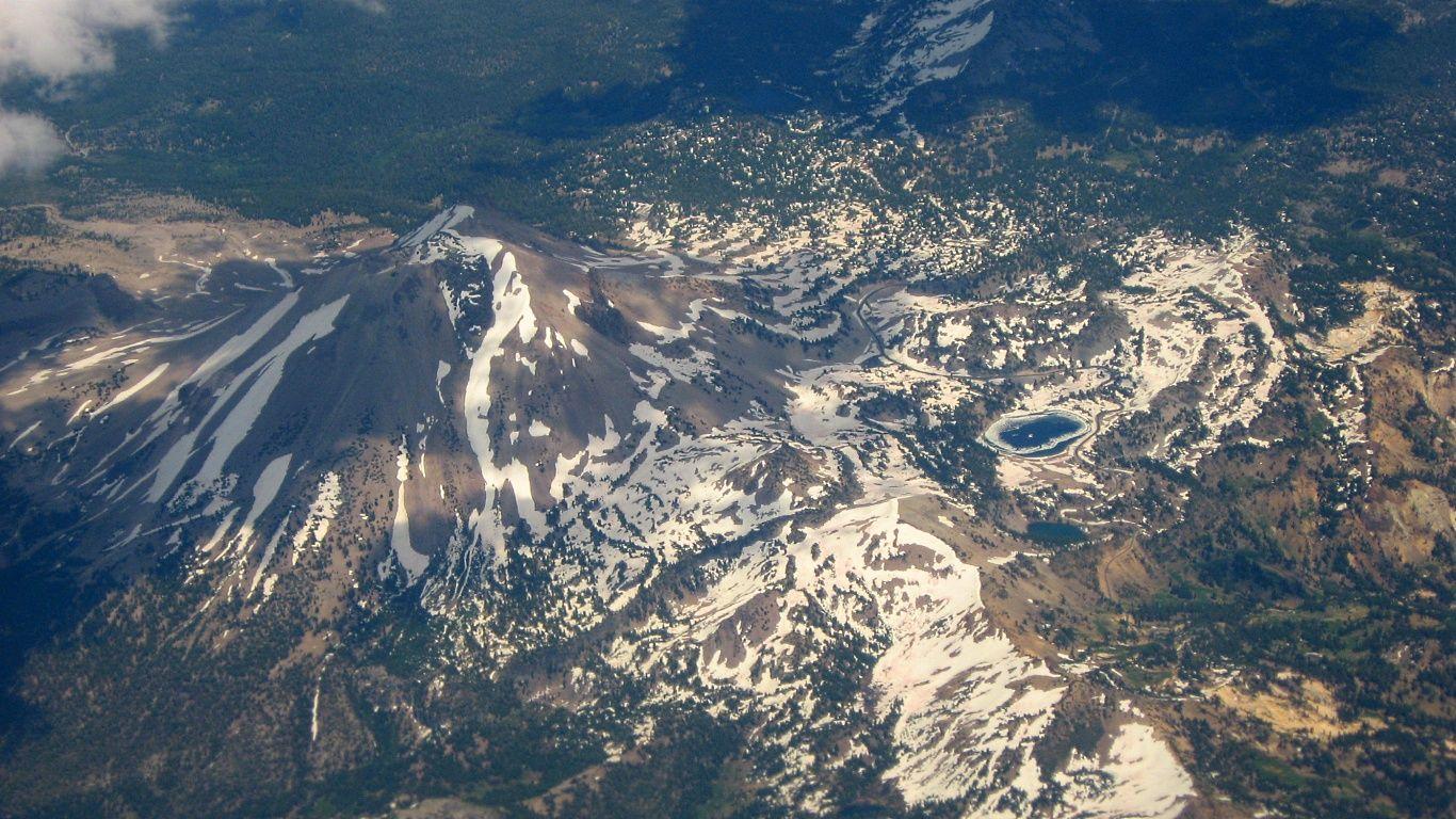Вулкан Лассен-Пик с высоты