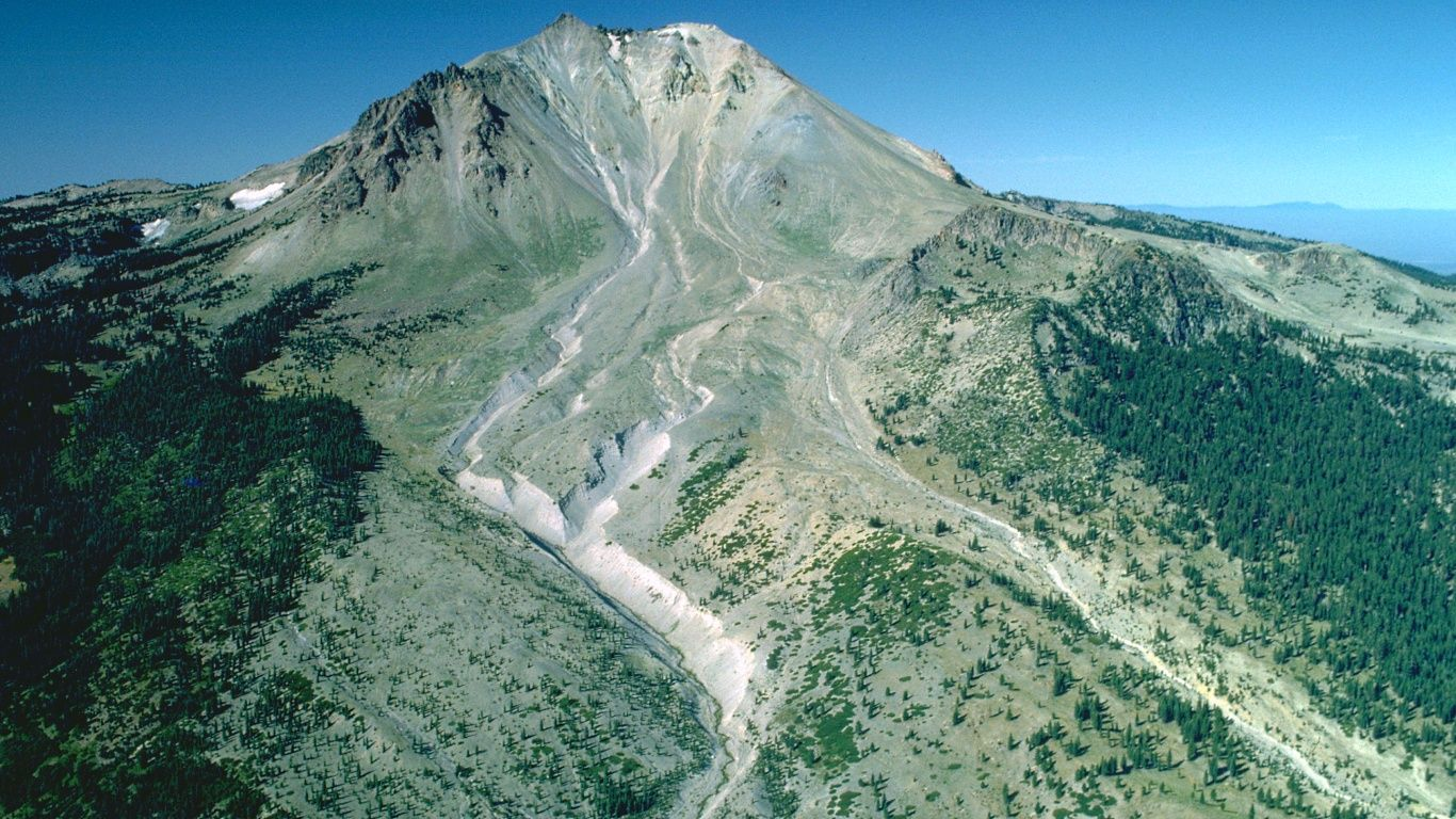 Вулкан Лассен-Пик сверху