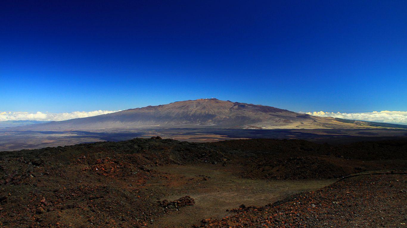 Вулкан Мауна-Лоа издалека