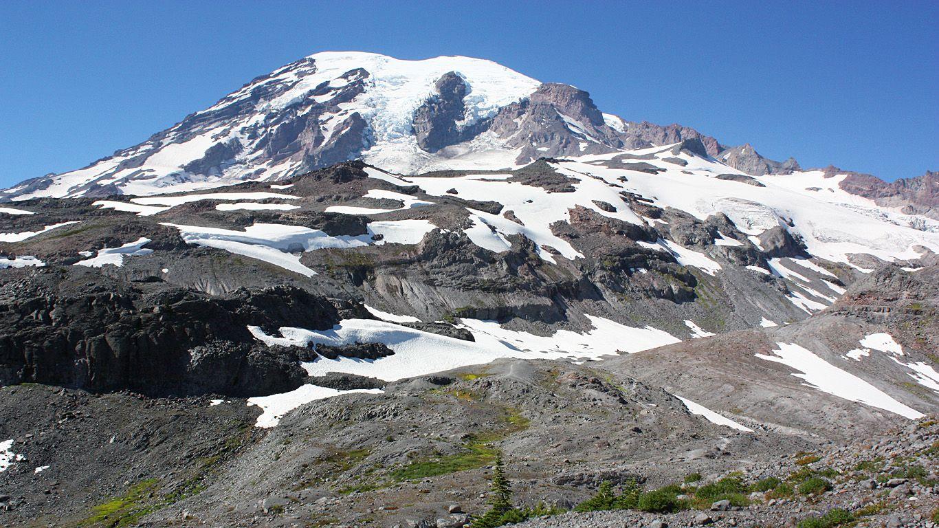 Снег и вулкан Рейнир