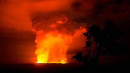 Лавовое озеро вулкана Ньямлагира