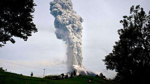 Проснулся вулкан Сопутан