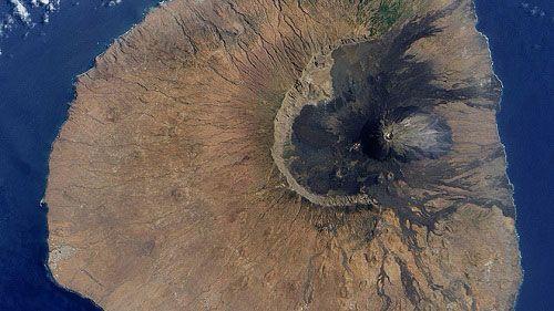 Вулкан Пико-до-Фого вид сверху