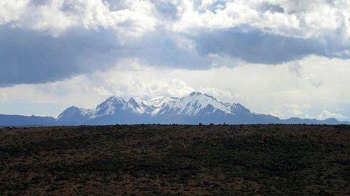 Вулкан Сабанкая выбрасывает газ