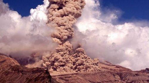Вулкан Шивелуч проявляет активноть