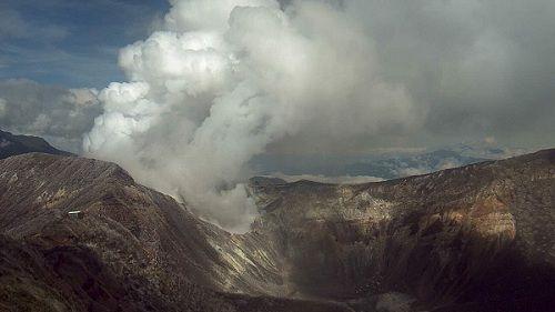Вулкан Турриальба выбрасывает пепел